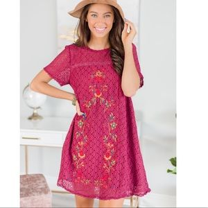 Dresses & Skirts - Mint Julep Wine Red Embroidered Dress Size Small